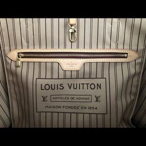 Louis Vuitton Bags - Louis Vuitton never full MM handbag
